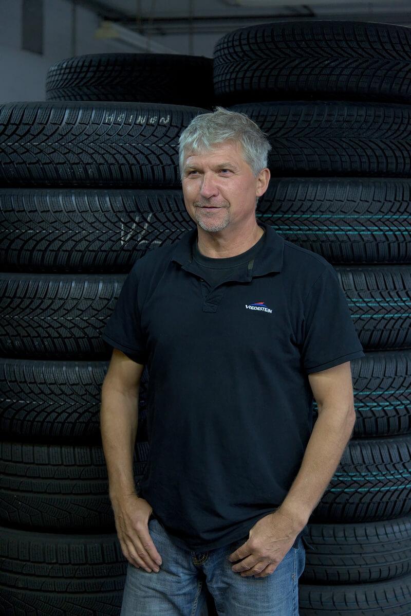 Manfred Nagel, Geschäftsführer der Reifen Frina OHG