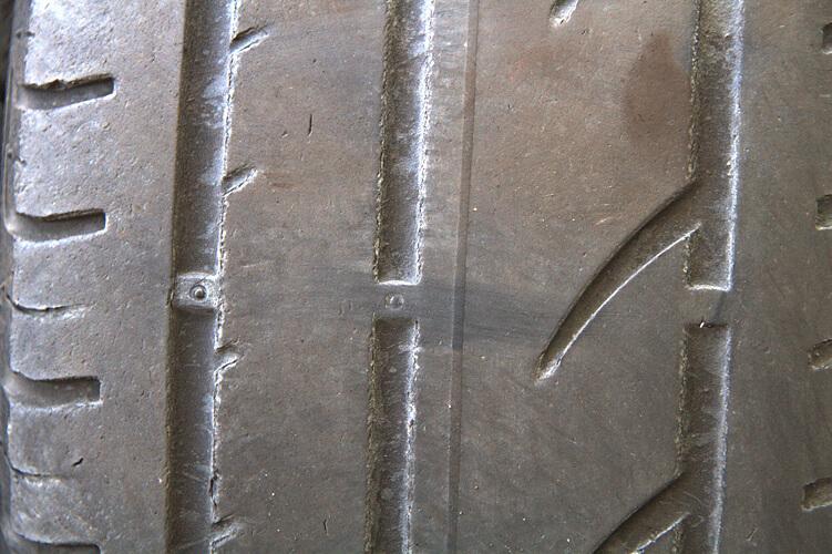 Reifenschaden - zu geringe Profiltiefe